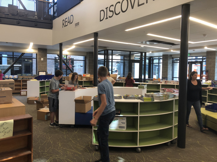 View Ridge students, parents, and staff have been working hard to unbox, sort and shelf books in the beautiful new library.