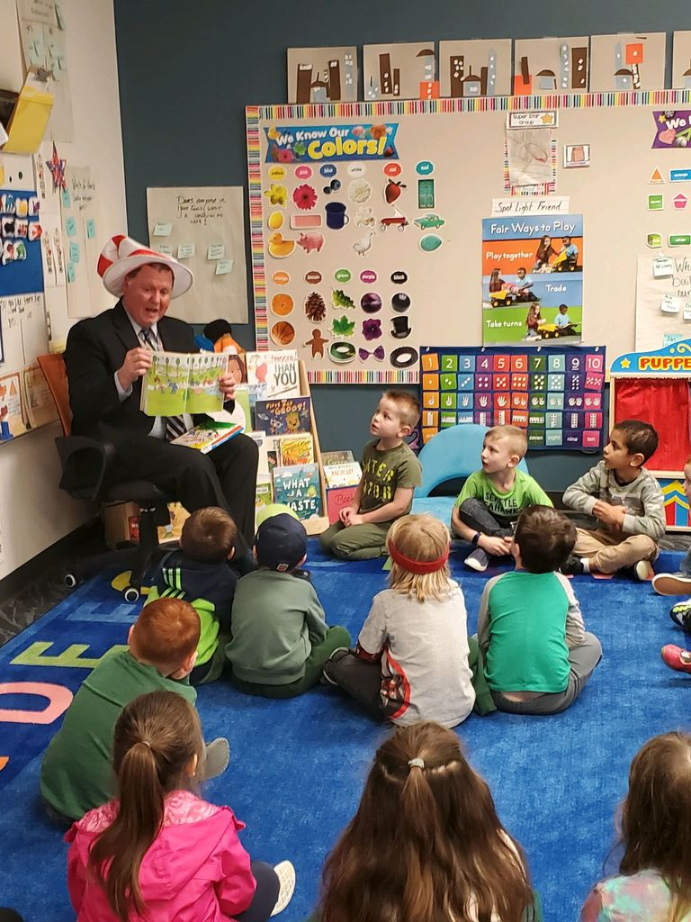 Dr. Michael Baskette reads to ELC students on Read Across America Day on 3/2/20.