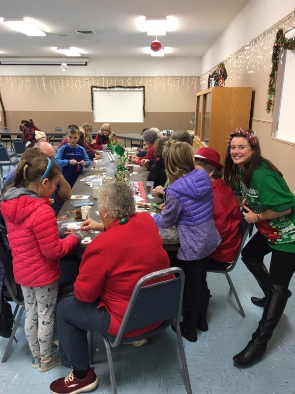 Union Ridge Elementary Second Graders Serve Up Smiles in Ridgefield